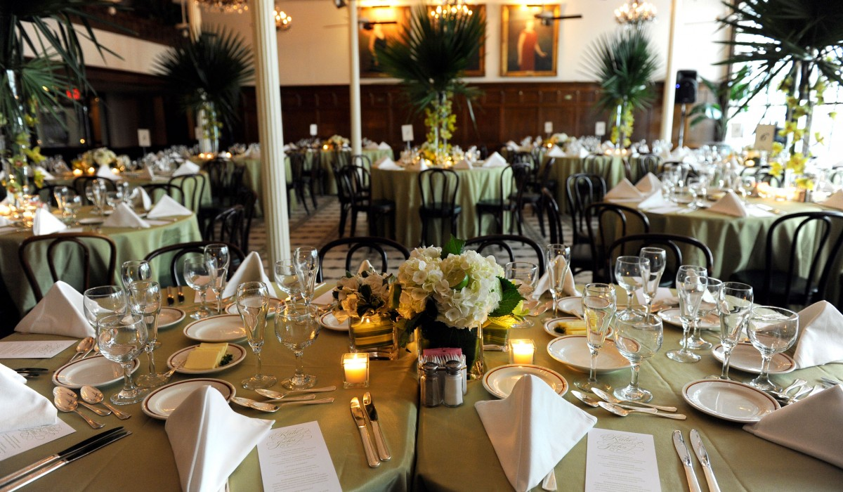 Maind-Dining-Room-Seated